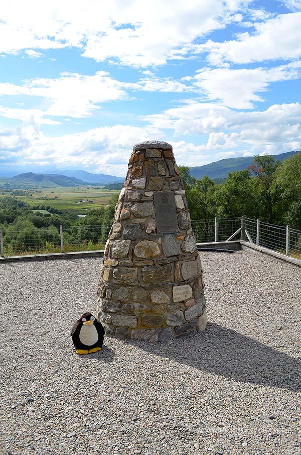 Denkmal in der Nähe vom Mittelpunkt